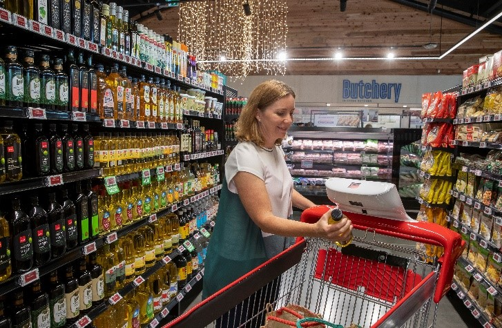 New World shoppers to trial tech trolleys
