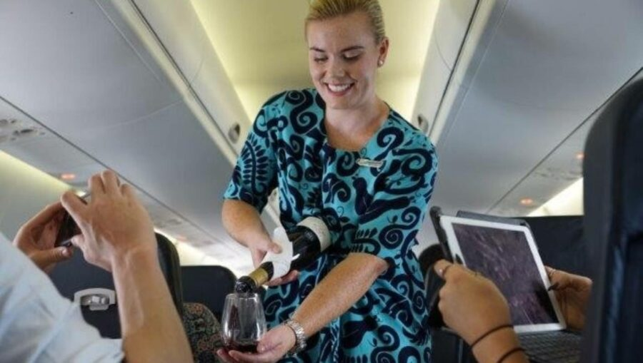 Food and drink service back at Air NZ under level 1